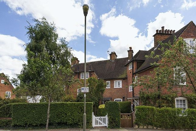 Asmuns Hill Hampstead Garden Suburb London Nw11 3
