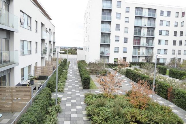 Thumbnail Flat for sale in Derry Court, Streatham High Road