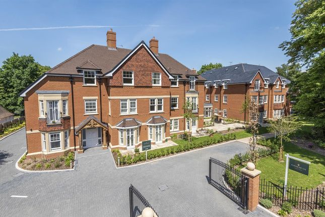 1 bed property for sale in Fleur-De-Lis, Dukes Ride, Crowthorne RG45