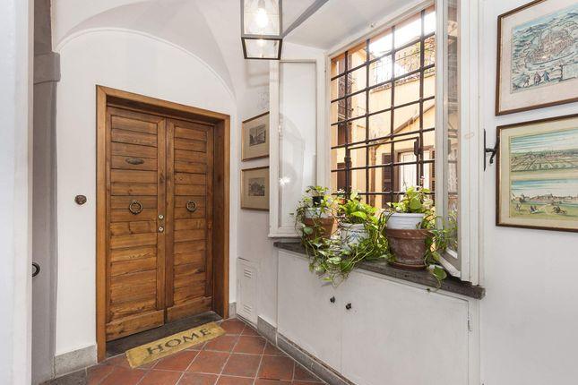 2 bed apartment for sale in Vicolo Scavolino, 00187 Roma Rm, Italy