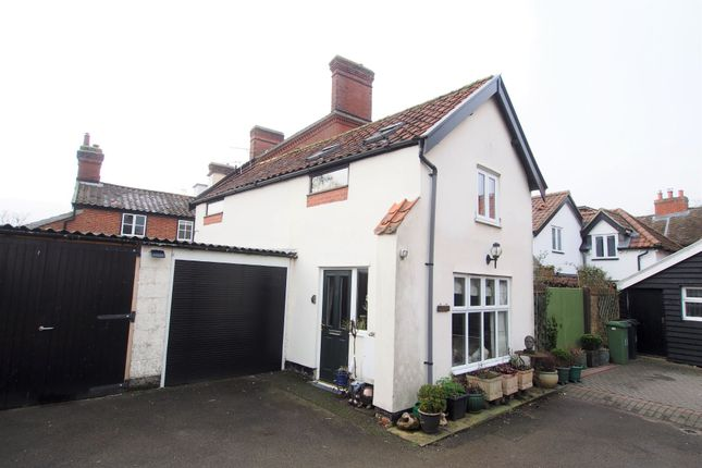 Thumbnail Cottage for sale in Damgate Street, Wymondham