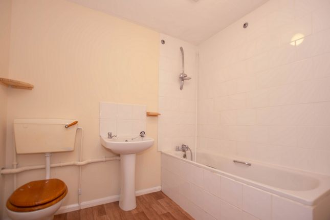 Bathroom of Mortimer Street, Herne Bay CT6