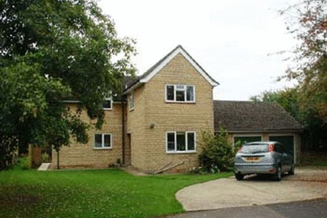 Thumbnail Flat to rent in Manor Close, Cassington, Witney