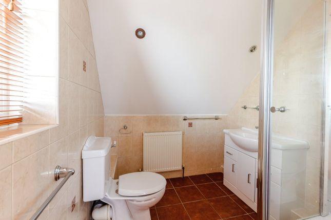 En-Suite of Chamberlain Avenue, Corringham, Stanford-Le-Hope, Essex SS17