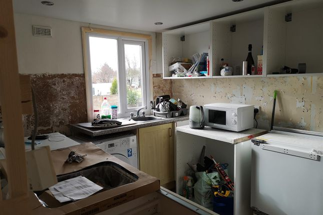Kitchen 1.Png of Orchard Caravan Site, Hopton ST18