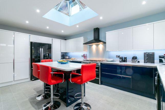 Thumbnail Link-detached house for sale in Pepsal End, Stevenage