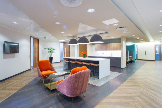 Office to let in King William Street, London, Greater London