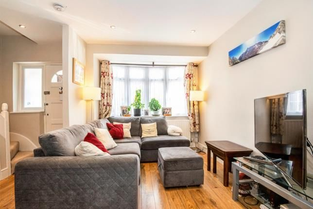 Living Room of Rollesby Road, Chessington, Surrey KT9
