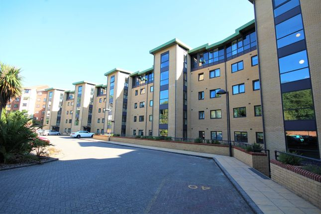 Thumbnail Flat for sale in Marina Close, Bournemouth