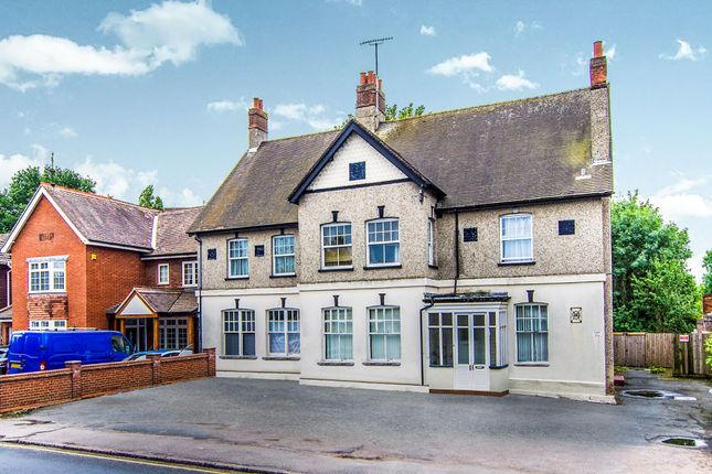 Thumbnail Flat for sale in London Road, Brentwood