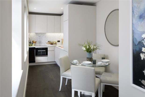 Thumbnail Flat for sale in Pinks Mews, Holborn