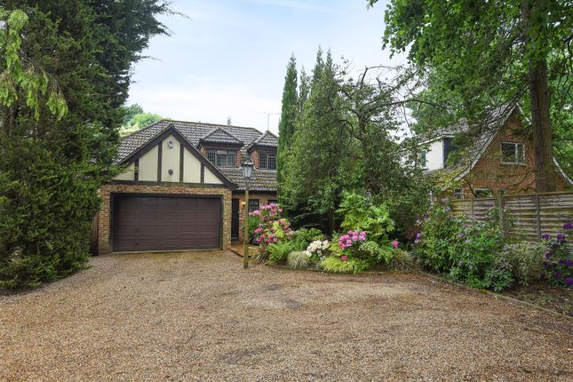 4 bed property for sale in Nine Mile Ride, Finchampstead, Berkshire