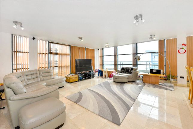 Thumbnail Flat for sale in Galaxy Building, The Odyssey, Crews Street, London
