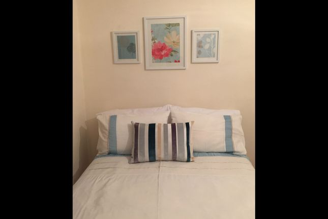 Room to rent in Roxeth Green Avenue, Harrow, Middlesex