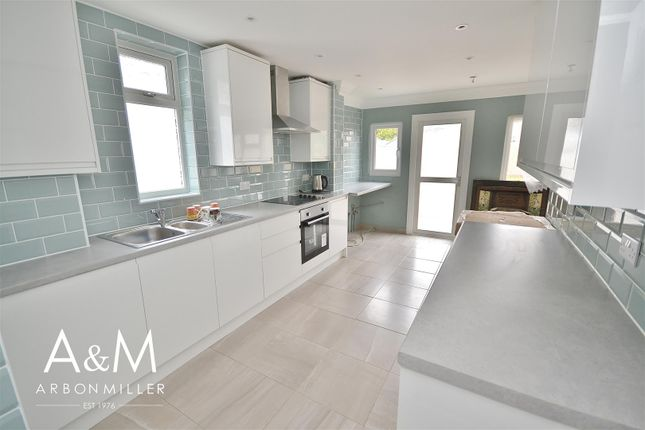 3 bed semi-detached bungalow to rent in Atherton Road, Clayhall, Ilford IG5
