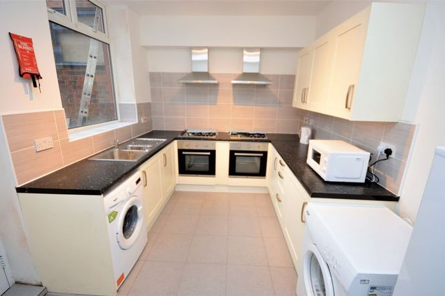 Thumbnail Flat to rent in Tilbury Street, Royton, Oldham