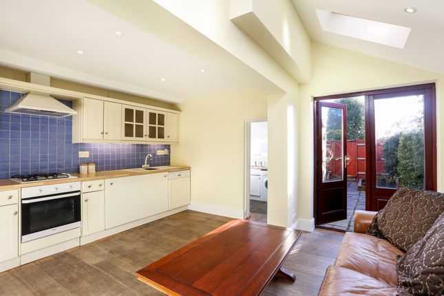 Thumbnail Terraced house to rent in Alexandra Road, Windsor