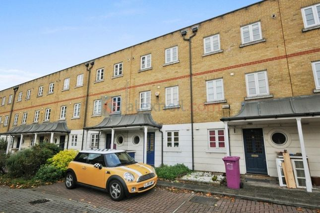 Thumbnail Town house to rent in Jodrell Road, London