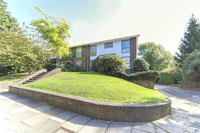 Thumbnail Detached house to rent in Broadlands Close, London