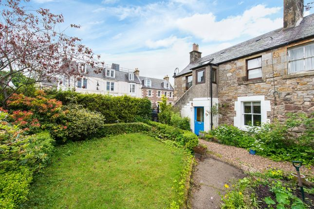 Thumbnail Flat for sale in Raemartin Square, West Linton