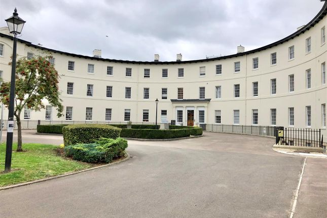 3 bed flat for sale in The Crescent, Gloucester GL1