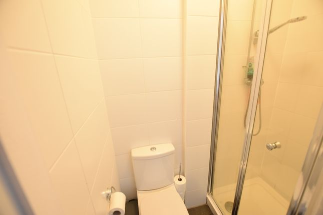 En-Suite of Myrtle Road, Eastbourne BN22