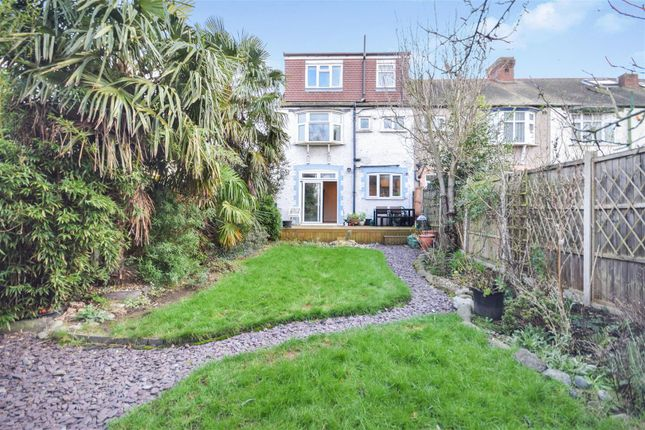 Garden of Brook Close, London SW20