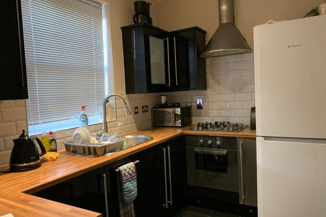 Thumbnail Flat to rent in Seven Hills Road, Iver