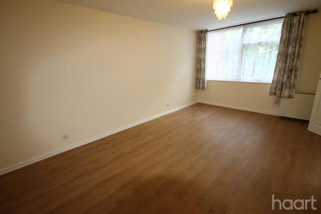 Thumbnail Flat to rent in Gatewick Close, Slough
