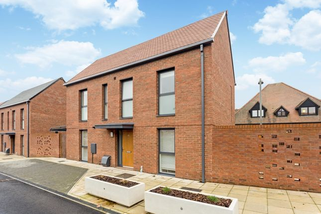 Thumbnail Detached house to rent in Gresley Close, Stratford-Upon-Avon