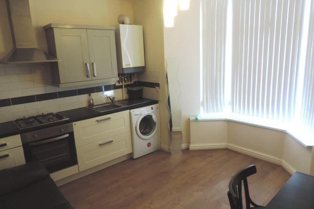 Thumbnail Flat to rent in Gordon Road, Cathays, South Glamorgan