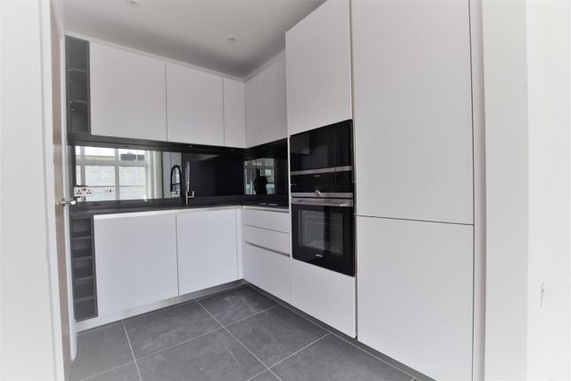 Thumbnail Flat for sale in High Road, Leytonstone, London