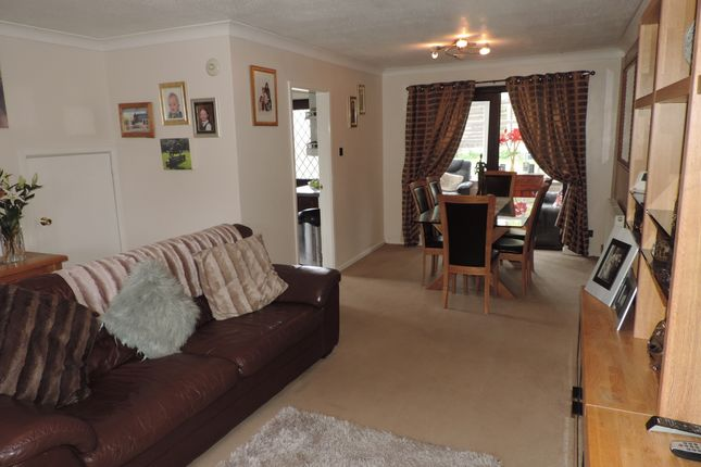 Thumbnail Detached house to rent in Holme Crescent, Royton, Oldham