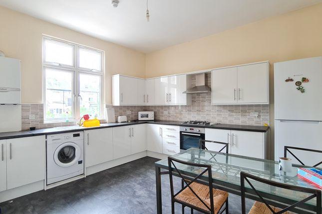 Thumbnail Triplex to rent in Stroud Green, London