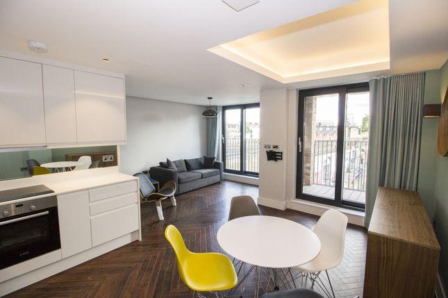 Thumbnail Flat to rent in Penrose Street, Elephant & Castle, London