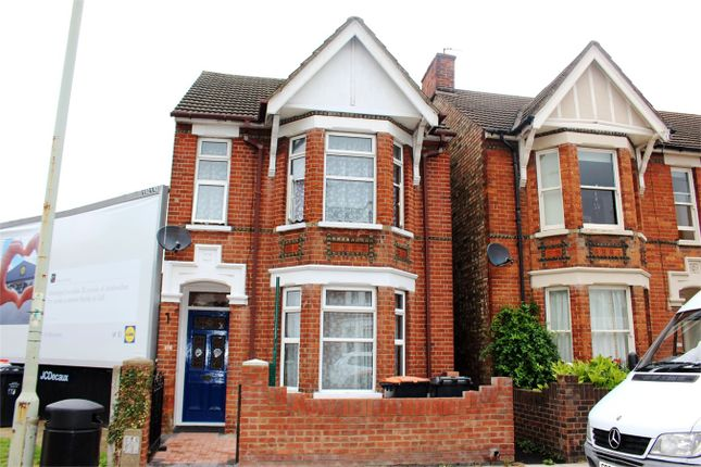 Thumbnail Detached house to rent in Castle Road, Bedford