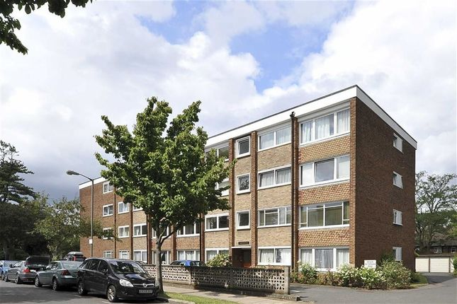 2 bed flat to rent in Fairheathe, 43 Putney Hill, Putney SW15
