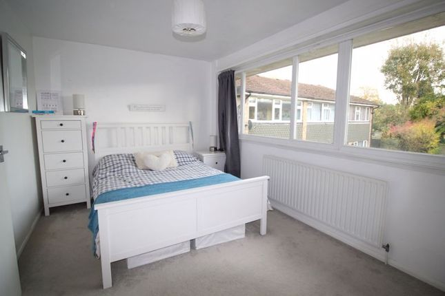 Bedroom One of Ryelands Close, Caterham CR3