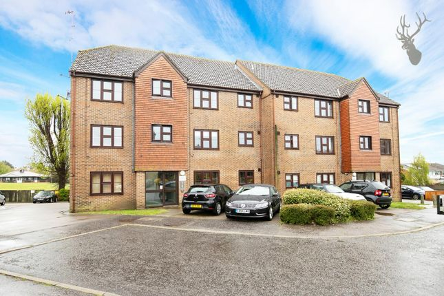 2 bed flat for sale in Orchid Close, Abridge, Romford RM4