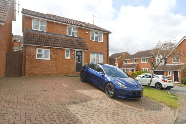 Thumbnail Detached house for sale in Biddenden Court, Basildon, Essex