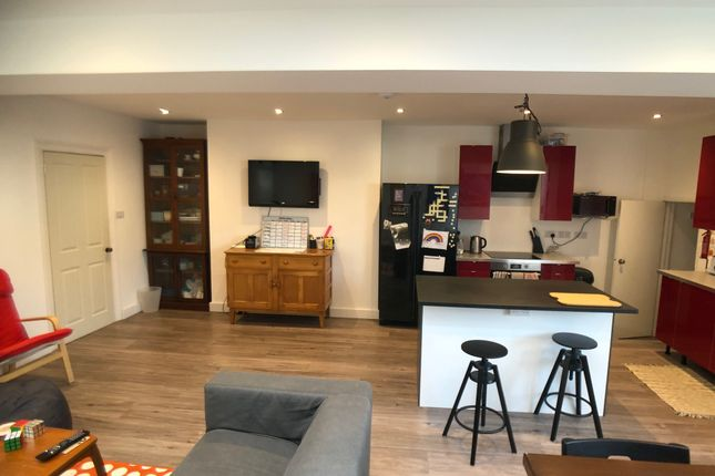 Thumbnail Shared accommodation to rent in Lisson Grove, Mutley Plain, Plymouth