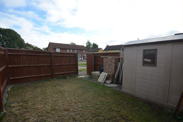 Garden C of Field Close, Aylesbury HP20