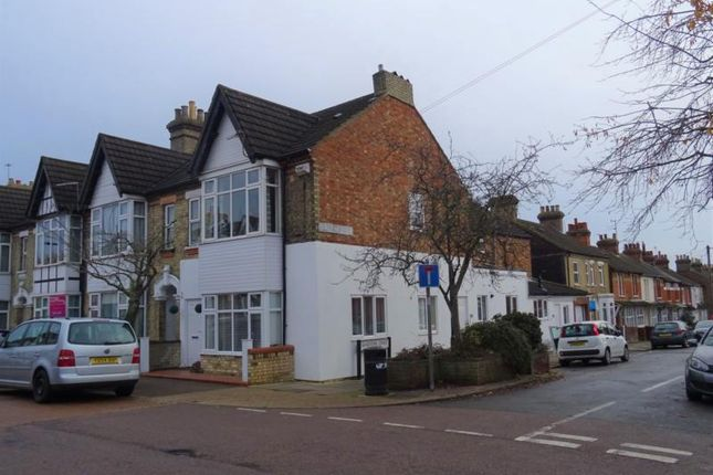Thumbnail Flat to rent in Stanley Street, Bedford
