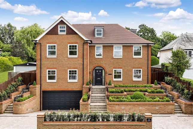 Thumbnail Detached house for sale in The Avenue, Potters Bar, Hertfordshire
