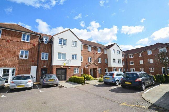 Thumbnail Flat for sale in Bennett Court, Letchworth Garden City
