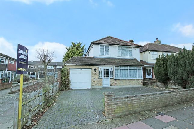 Thumbnail Property for sale in Fen Grove, Sidcup, Kent