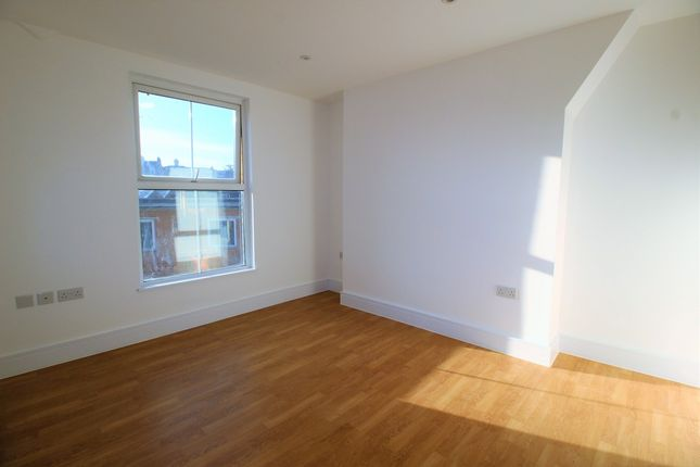 Thumbnail Flat to rent in Norwood High Street, London