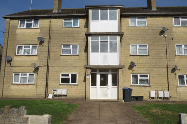 Thumbnail Flat to rent in Wessex Road, Chippenham