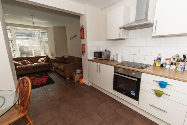 Thumbnail Property to rent in Broadway, Treforest, Pontypridd