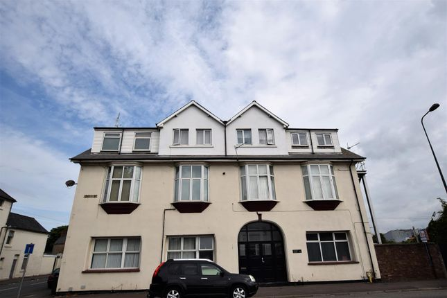 Thumbnail Flat for sale in 9 Grange Court, Cardiff Road, Barry
